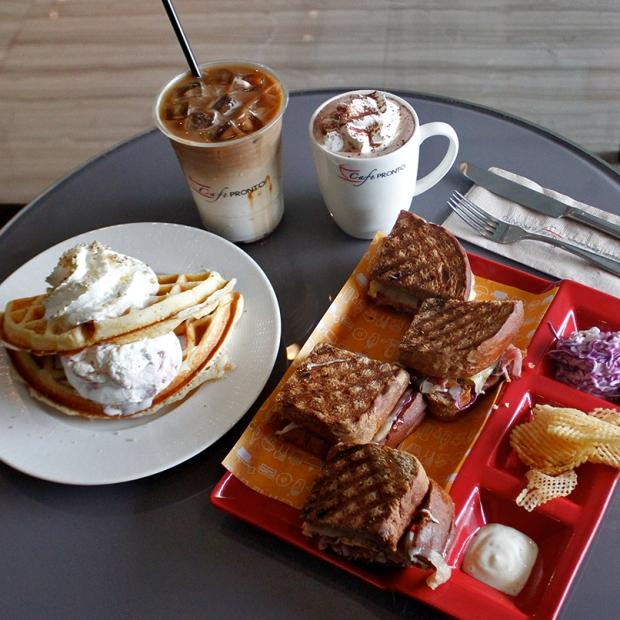 Cafe_806x806 8.jpg