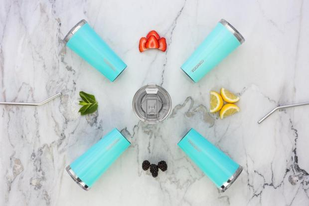 Corkcicle_Tumbler_Cup_24_oz_Turquoise_Lifestyle_Shot.jpg