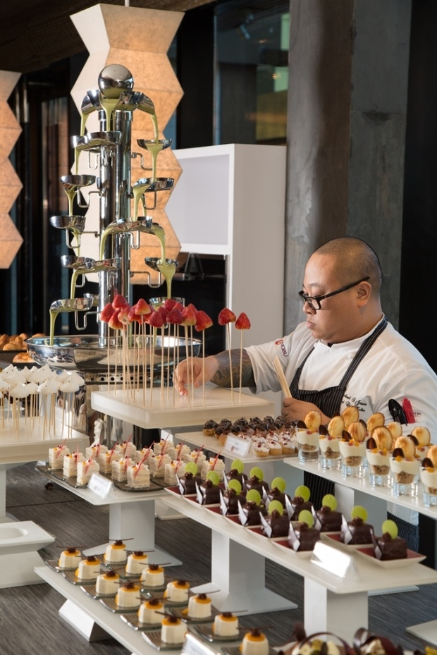 02.Nobu Manila. Father's Day Sunday Brunch - Nobu Manila Head Chef Mike De Jesus preparing the dessert station.jpg